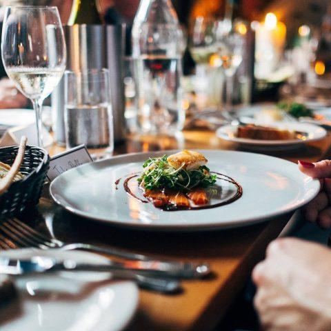 FOOD SERVICE & RESTAURANTS